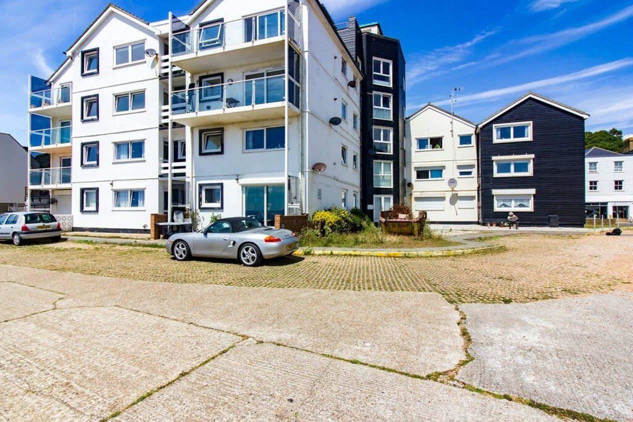 Properties Sold Subject To Contract in Sandgate High Street Sandgate