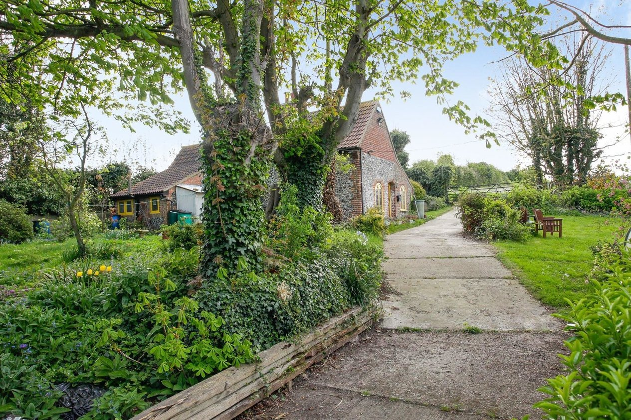 Properties Sold Subject To Contract in Shallows Road