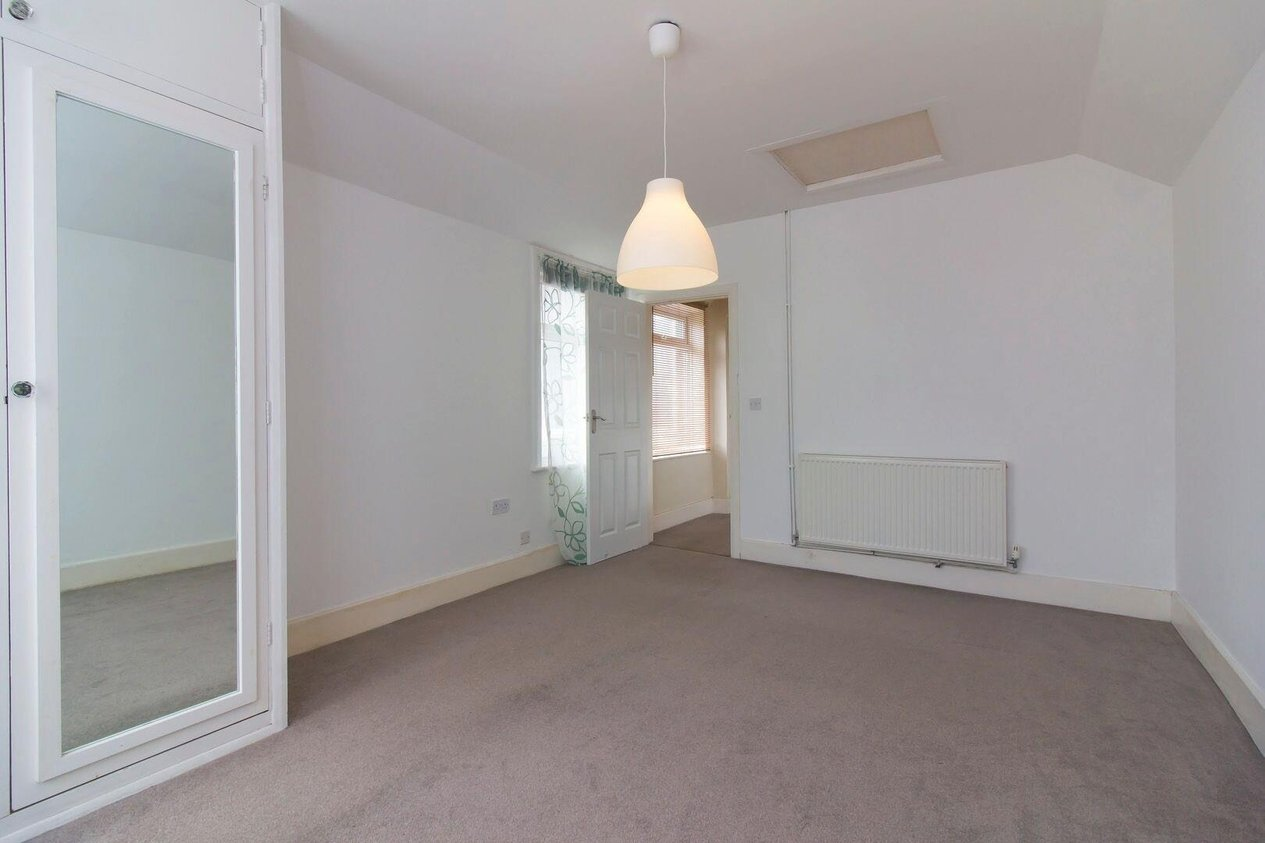 Properties Sold Subject To Contract in Shorncliffe Road