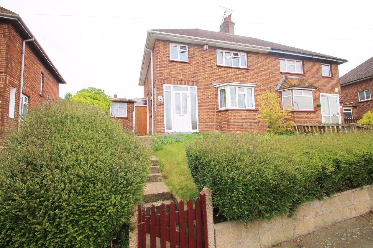 Properties For Sale in St. Columbas Close