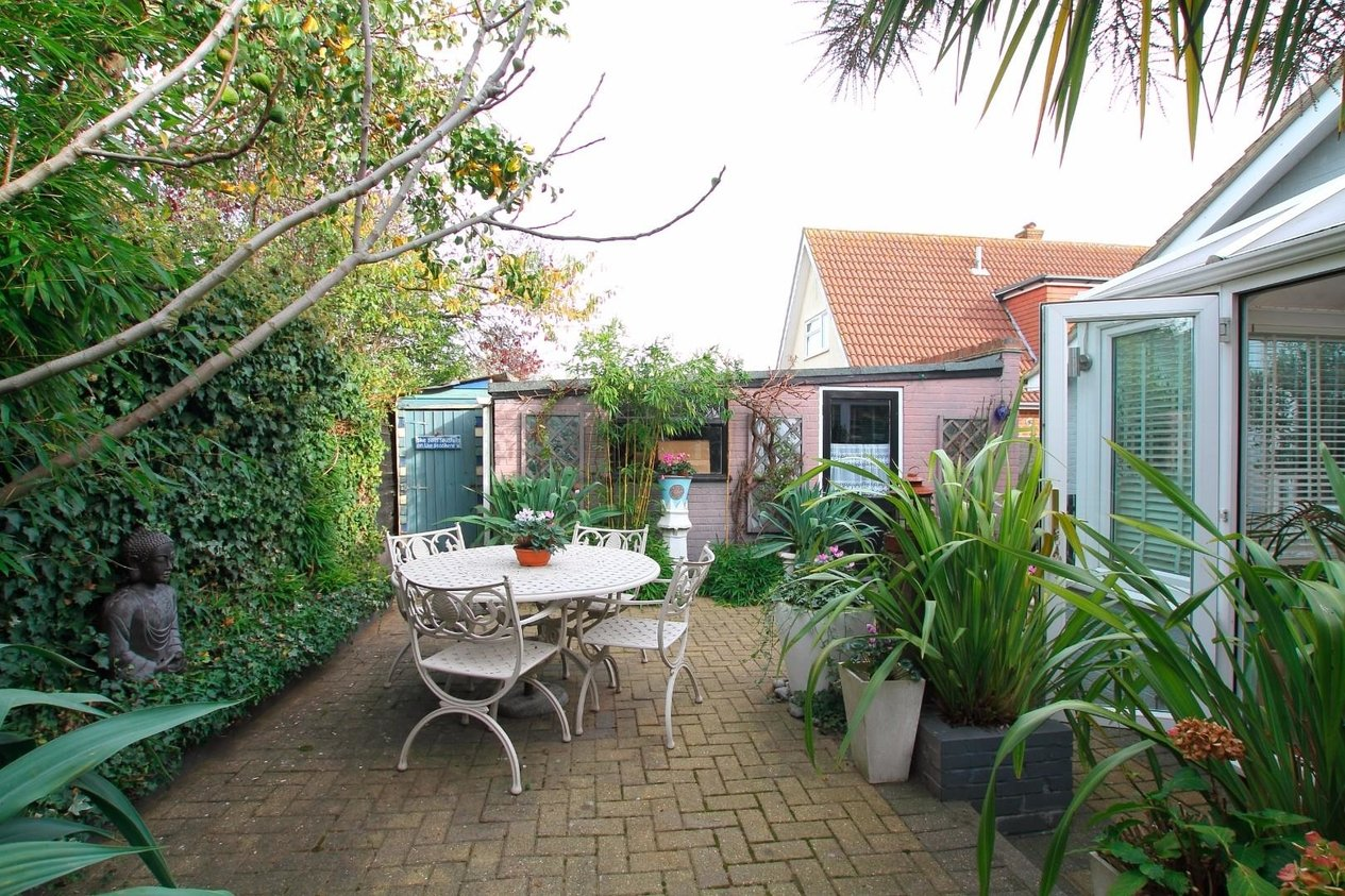 Properties For Sale in St. Marys Grove Seasalter