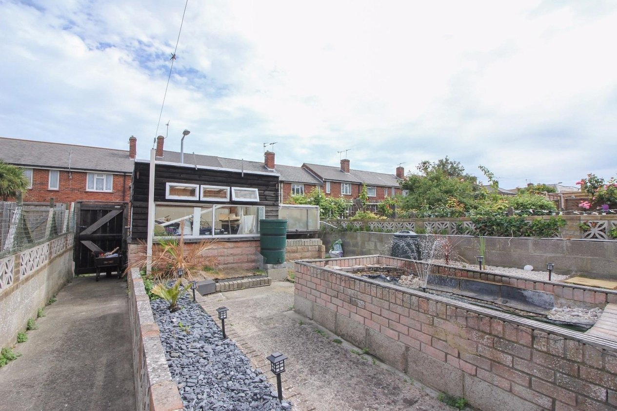 Properties For Sale in St. Peters Footpath