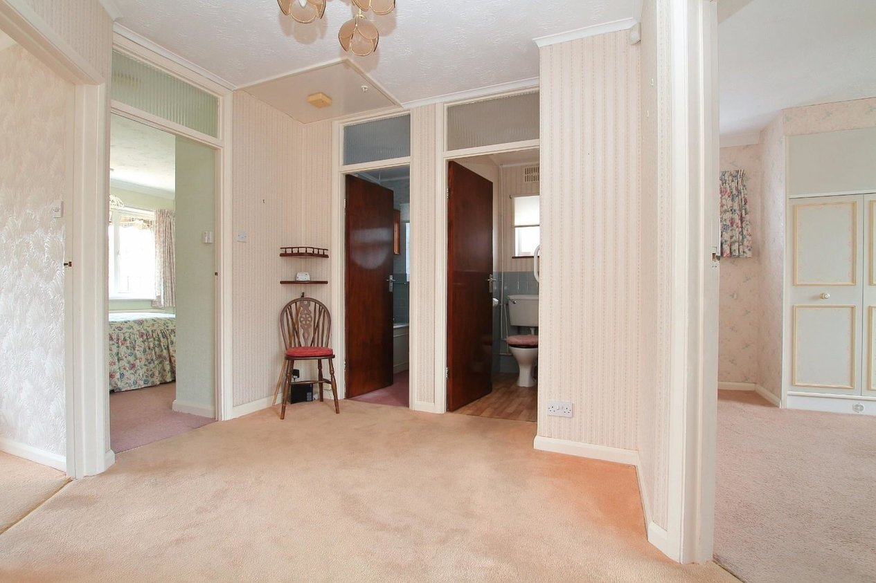 Properties Sold Subject To Contract in Summerfield Avenue