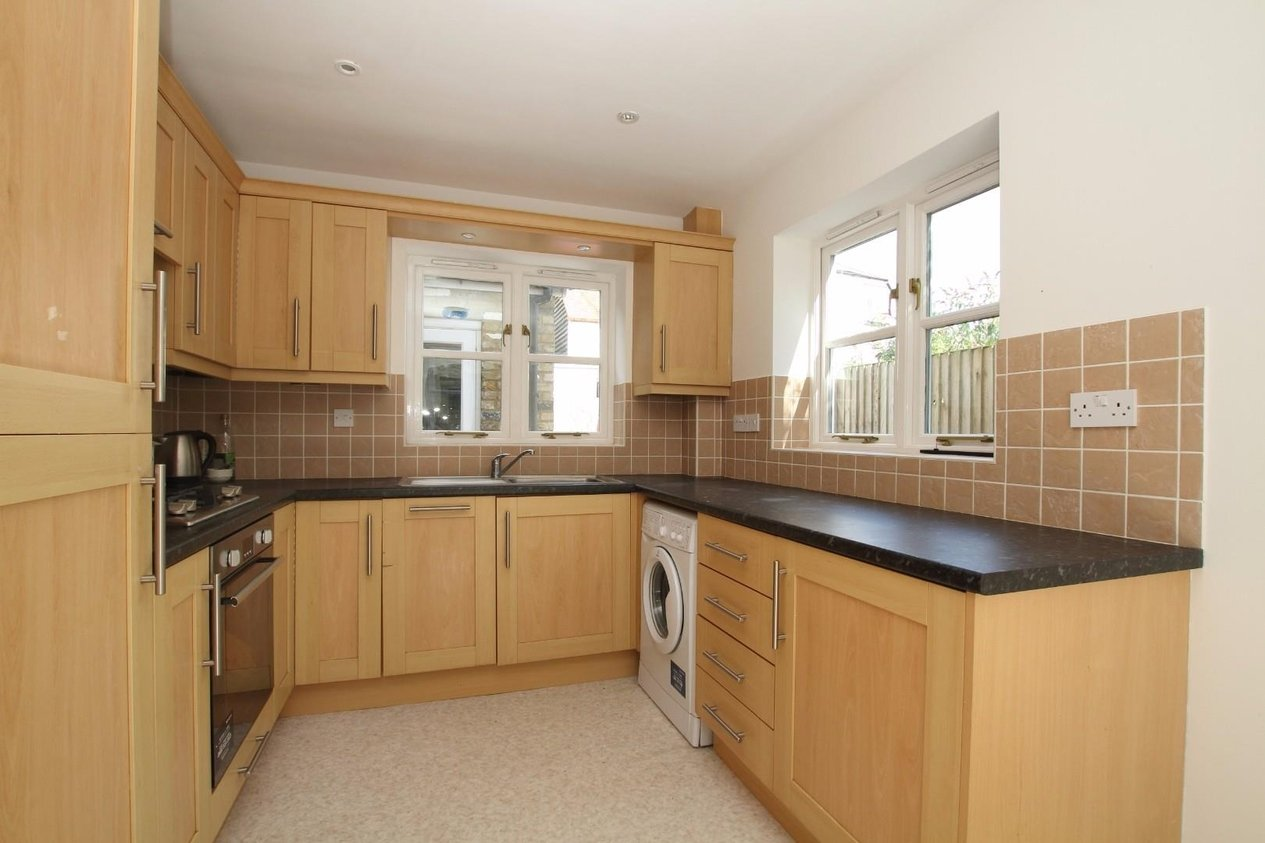 Properties Sold Subject To Contract in Swanfield Road