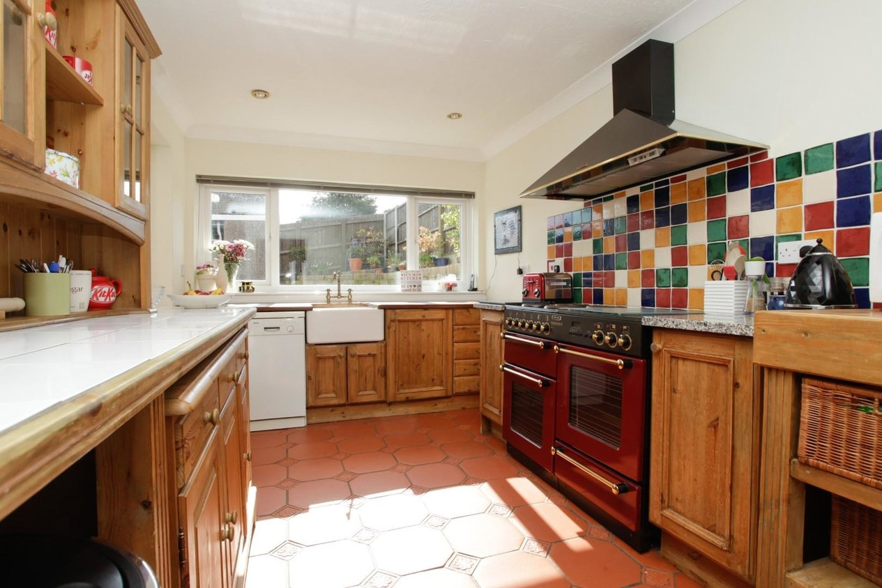 Properties For Sale in The Close Lydden
