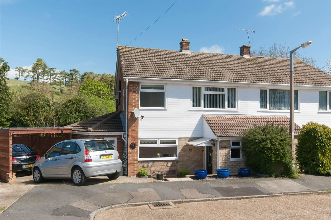 Properties Sold Subject To Contract in The Close Lydden