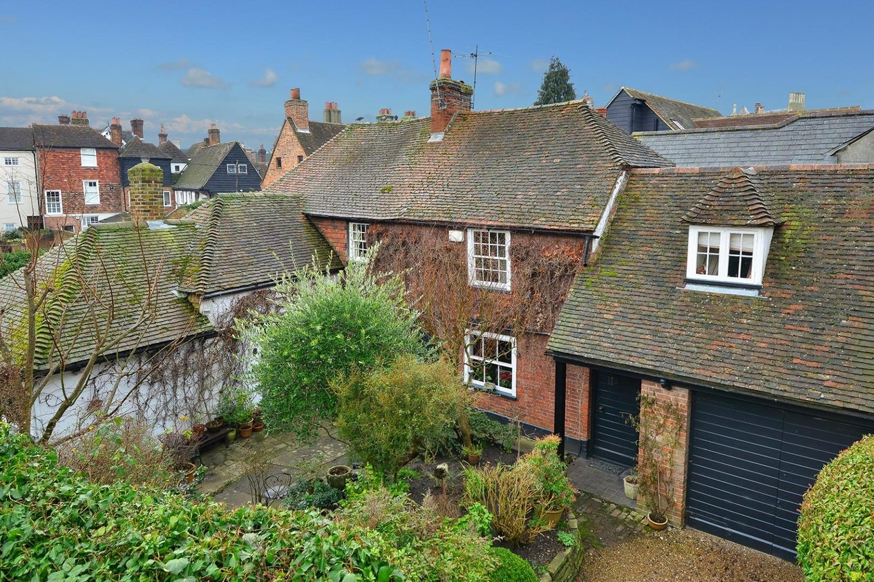 Properties Sold Subject To Contract in The Friars