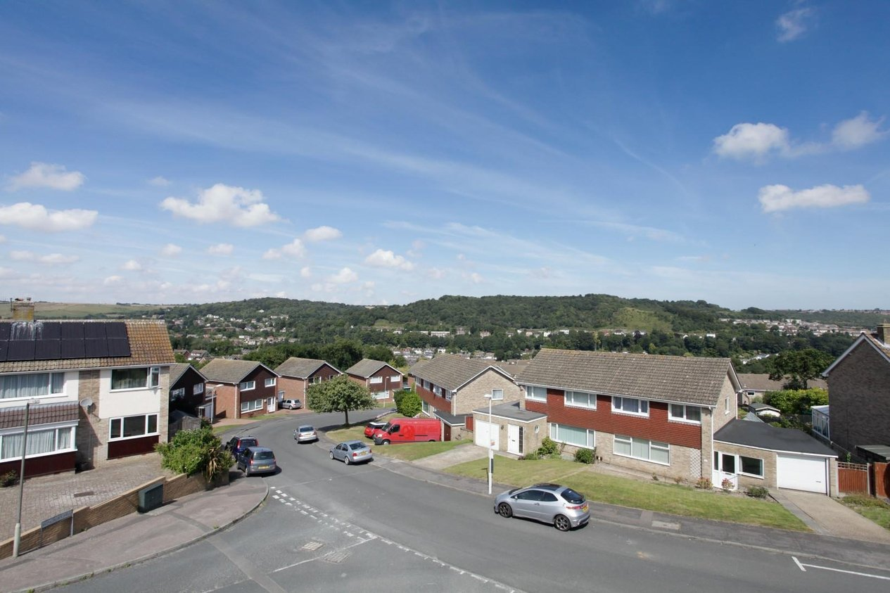 Properties For Sale in The Ridgeway