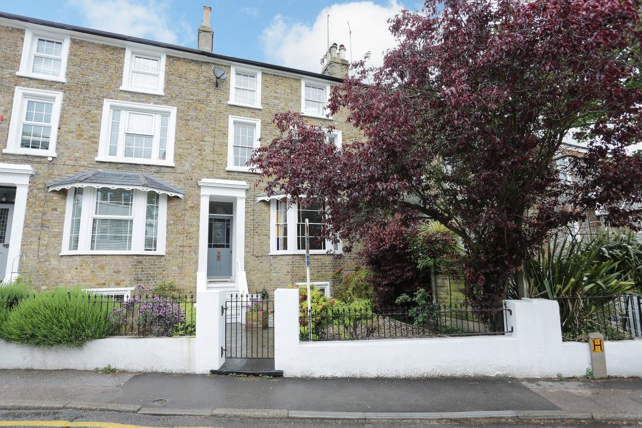 Properties Sold Subject To Contract in The Vale