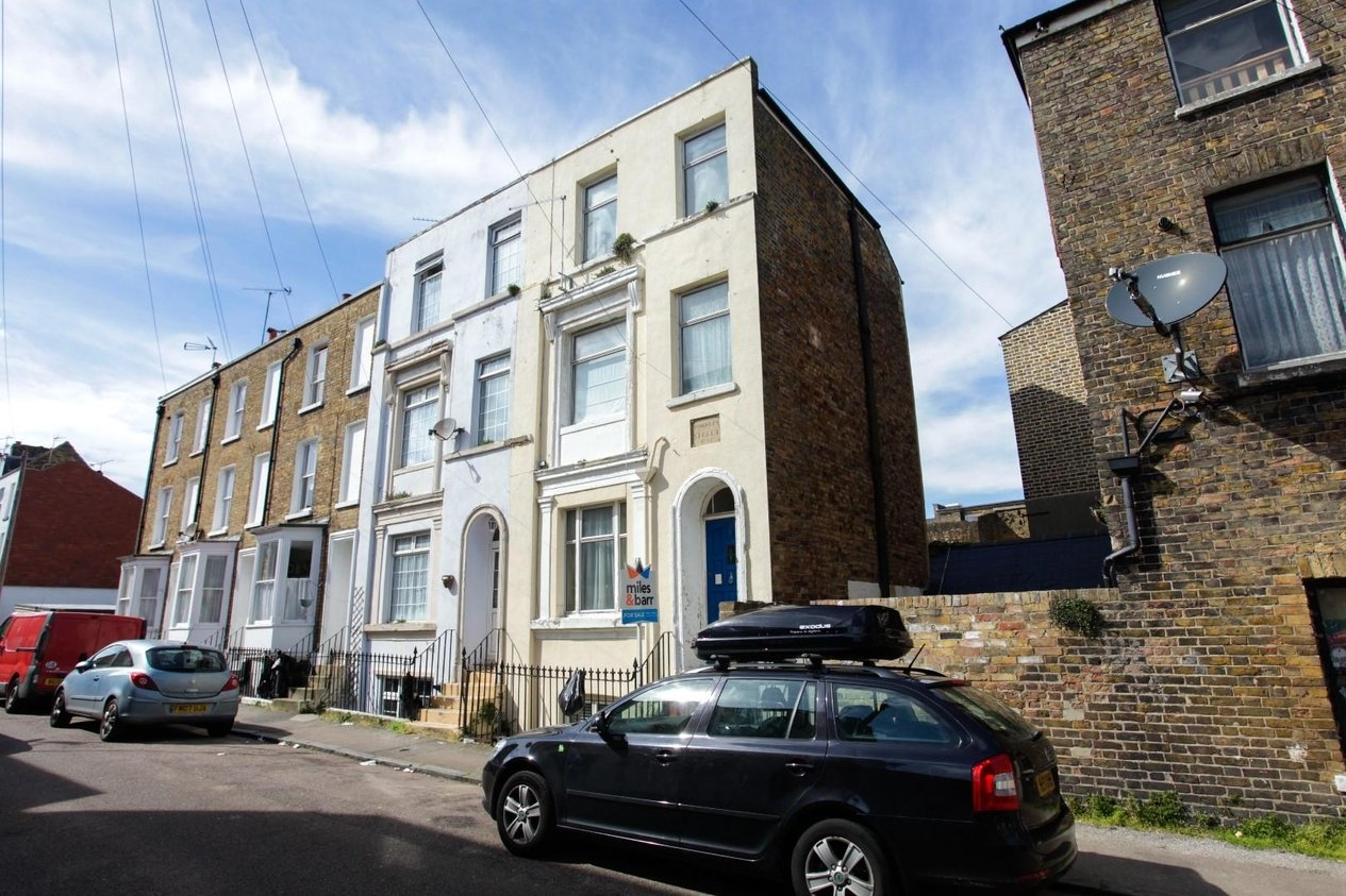 Properties Sold Subject To Contract in Townley Street