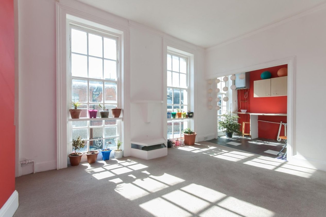 Properties Sold Subject To Contract in Union Crescent