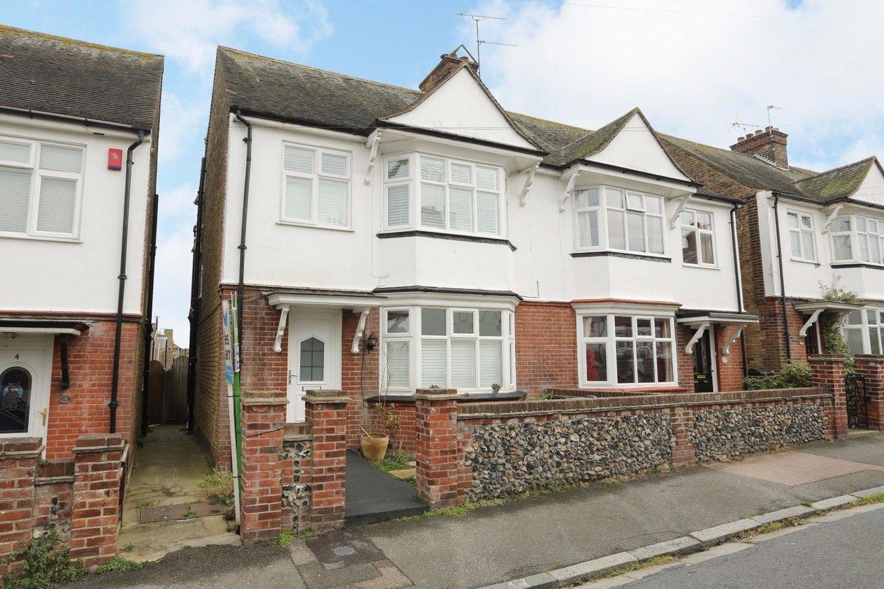 Properties For Sale in Upper Approach Road