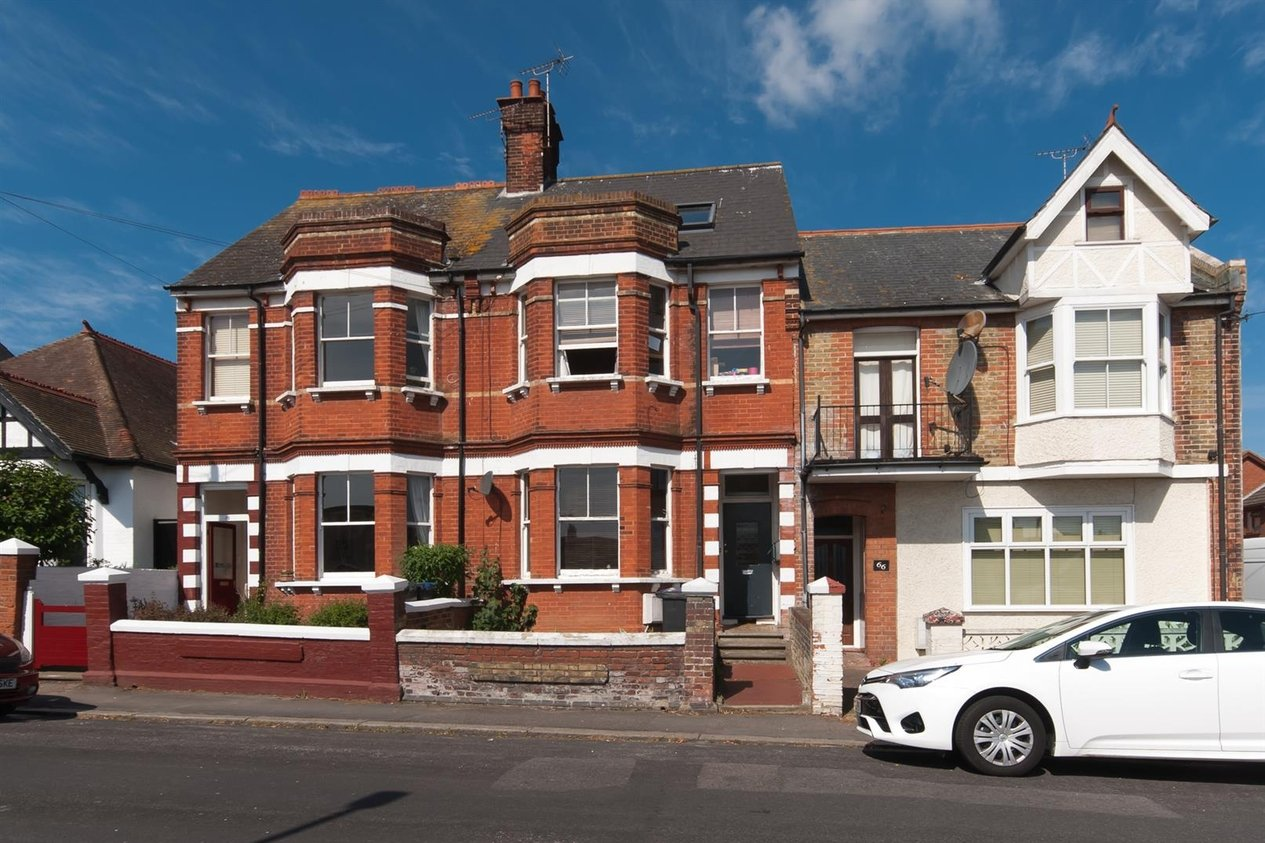Properties Sold Subject To Contract in Victoria Avenue