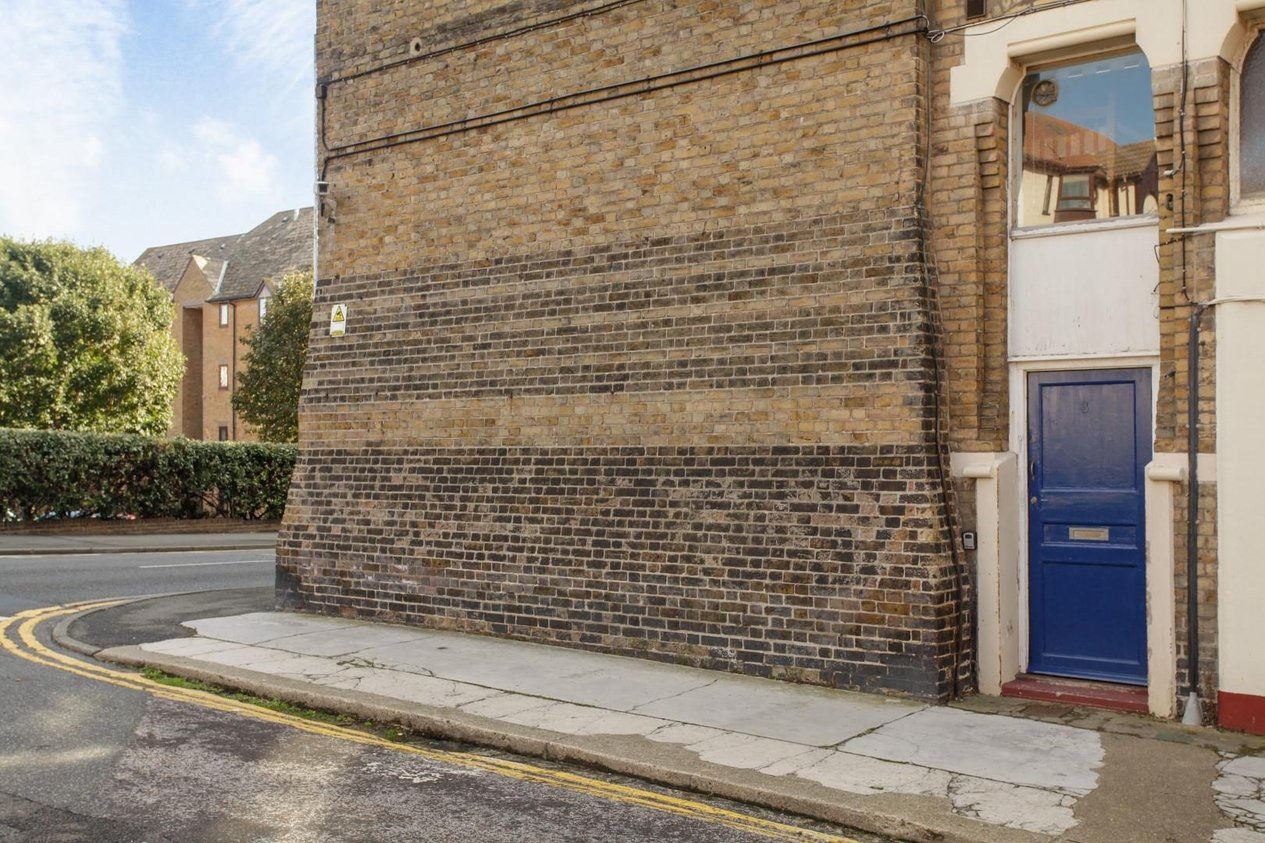 Properties For Sale in Victoria Parade