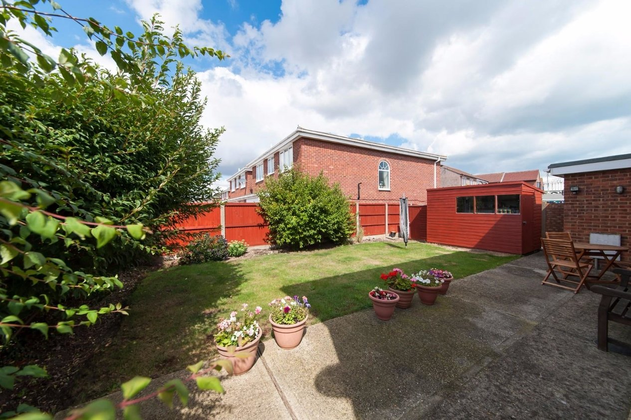 Properties Sold Subject To Contract in Walmer Way