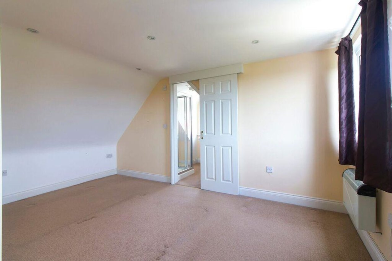 Properties Sold Subject To Contract in Walton Gardens