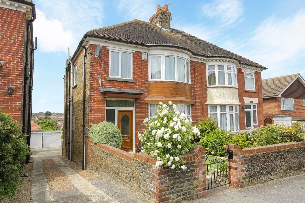 Properties For Sale in Wellesley Road