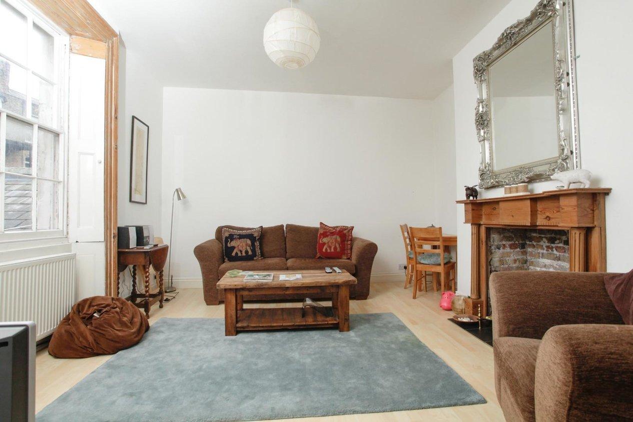 Properties For Sale in 14 Wellington Crescent