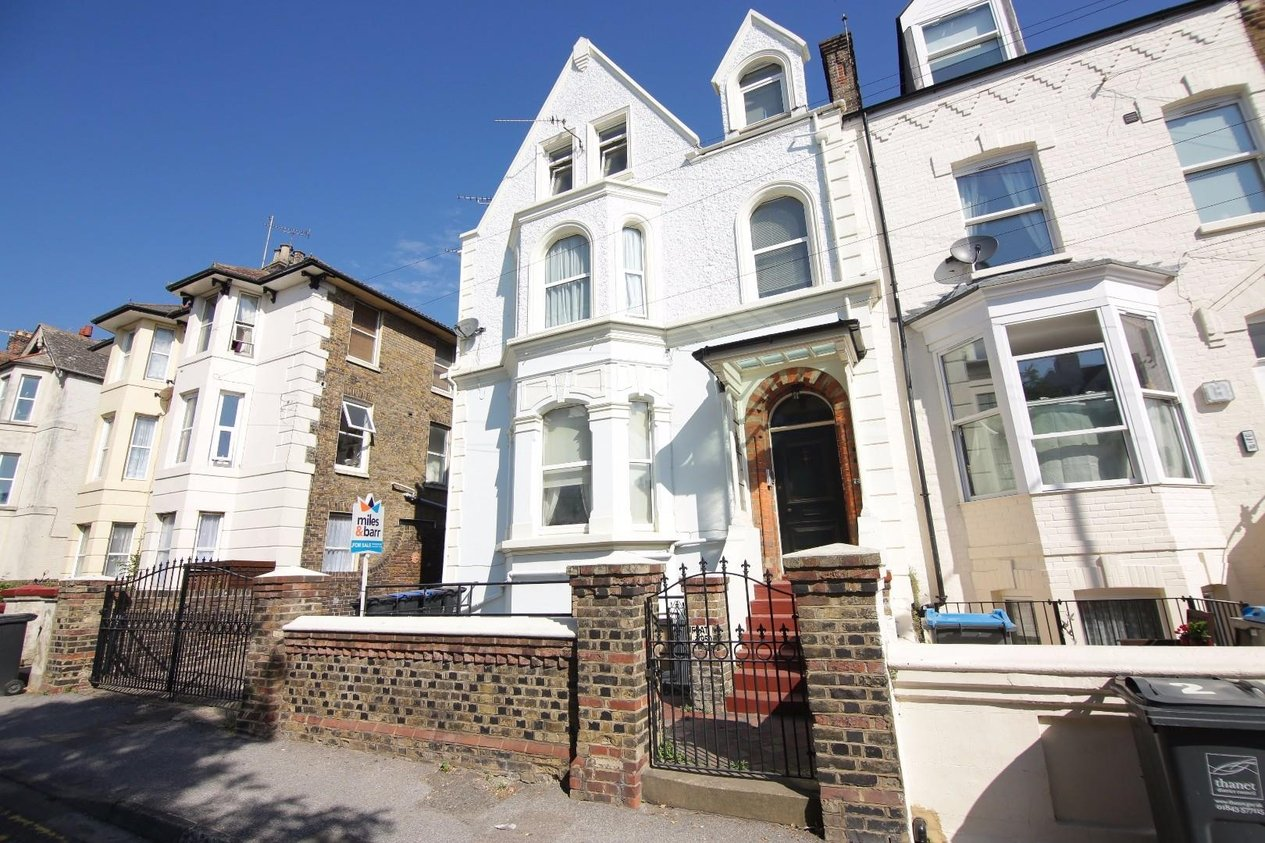 Properties Sold Subject To Contract in West Cliff Road
