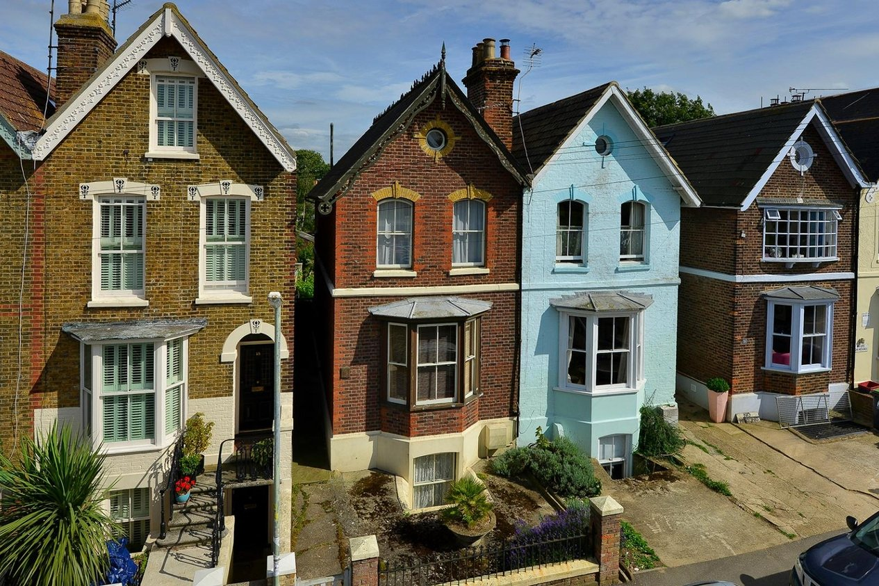 Properties Sold Subject To Contract in West Cliff