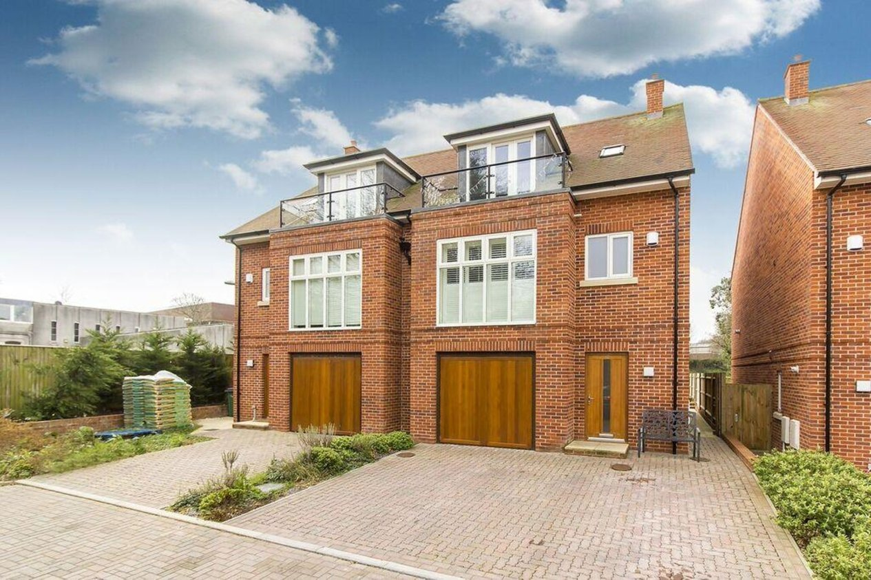 Properties For Sale in Castle Mews