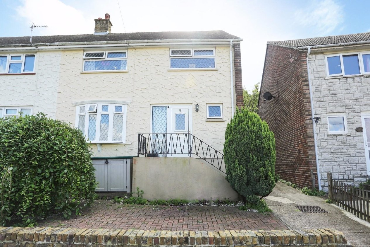 Properties Sold Subject To Contract in Westbury Crescent