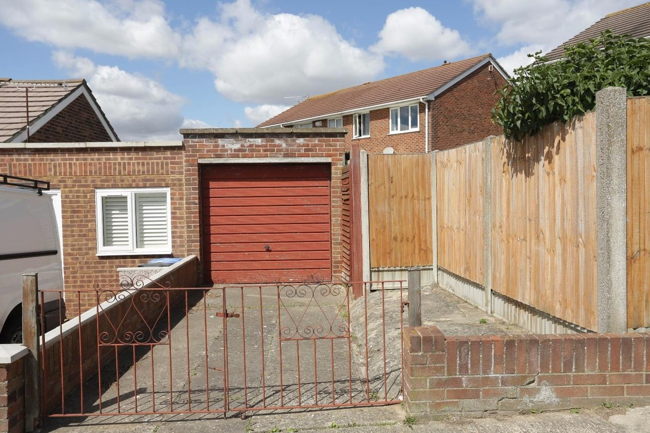 Properties Sold Subject To Contract in Windermere Avenue