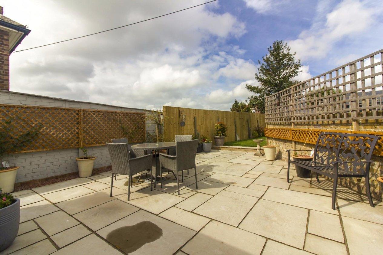 Properties Sold Subject To Contract in Windsor Road Windsor Road,