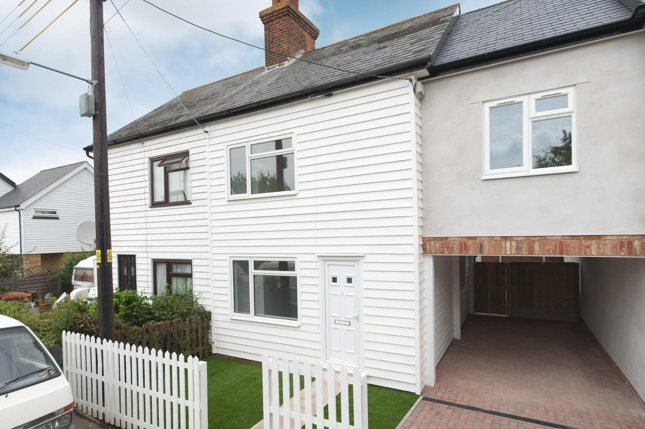 Properties Sold Subject To Contract in Woodside Cottages Dunkirk Road North