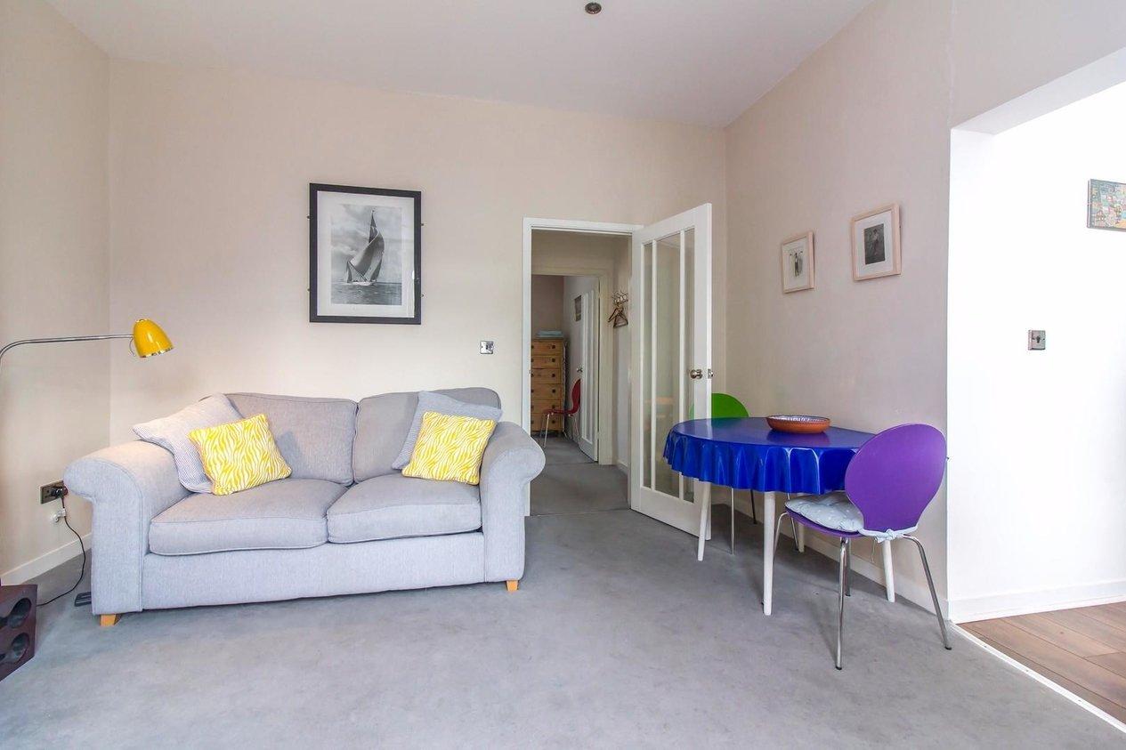 Properties For Sale in 31 Wrotham Road