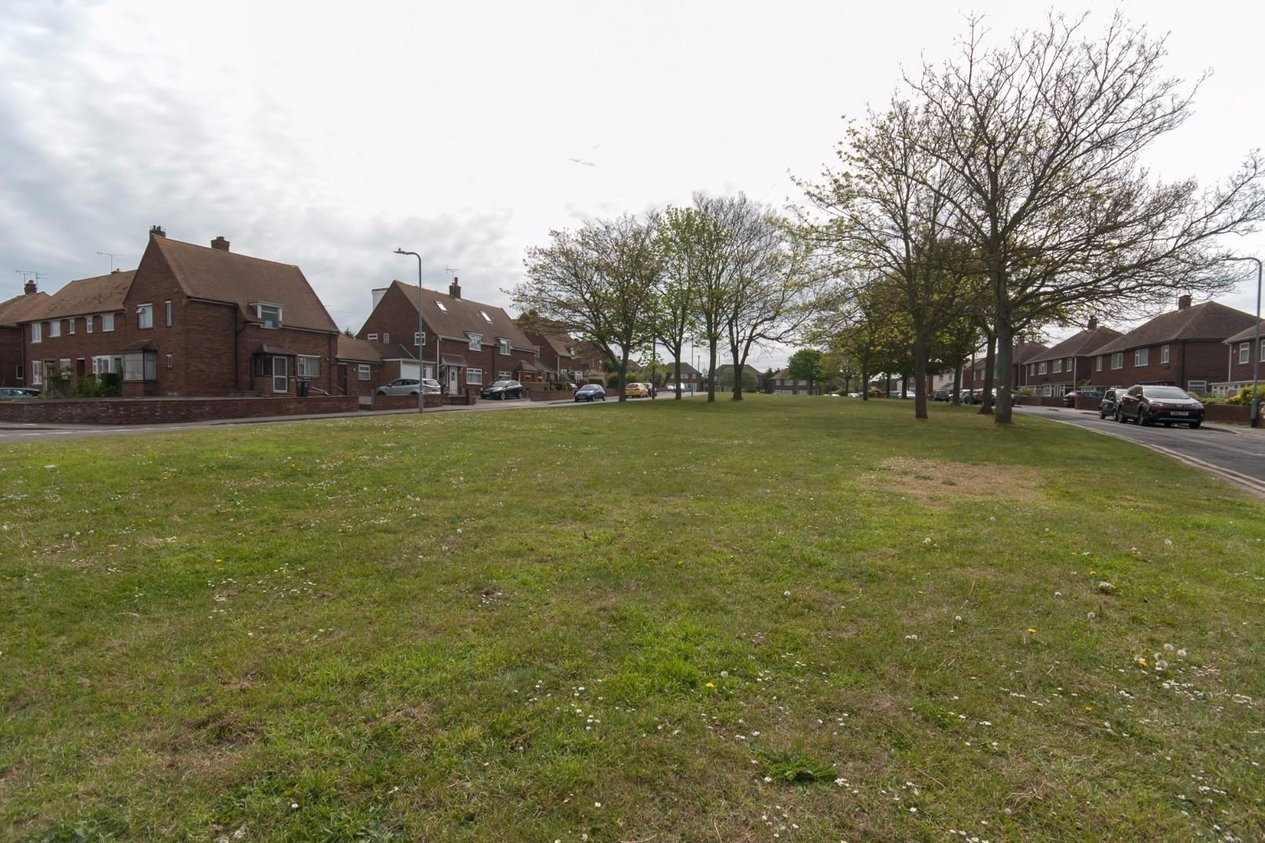 Properties Sold Subject To Contract in Yoakley Square