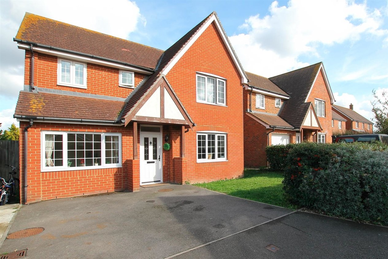Properties Let Agreed in Acacia Drive Hersden