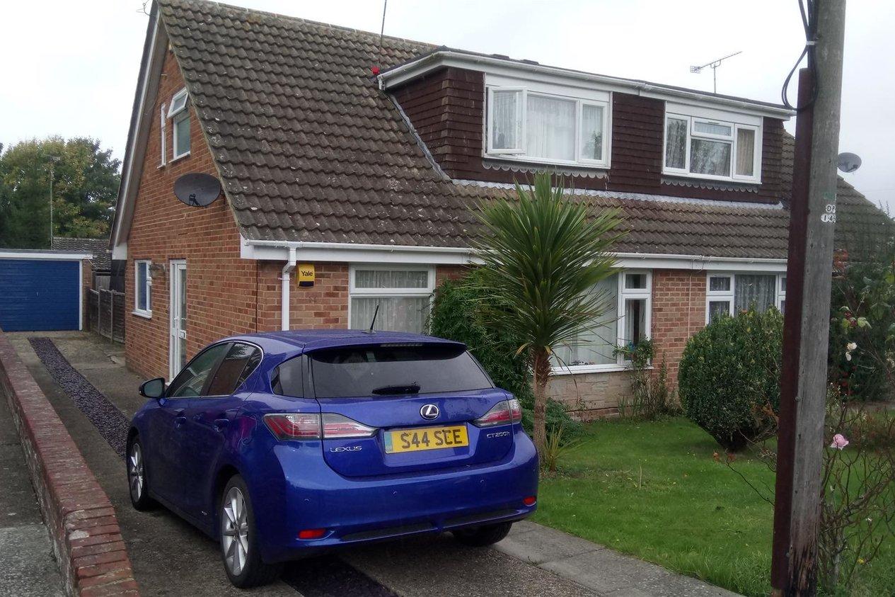 Properties To Let in Bernards Gardens Shepherdswell