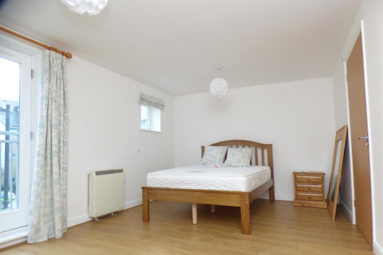 Properties To Let in Bingley Court