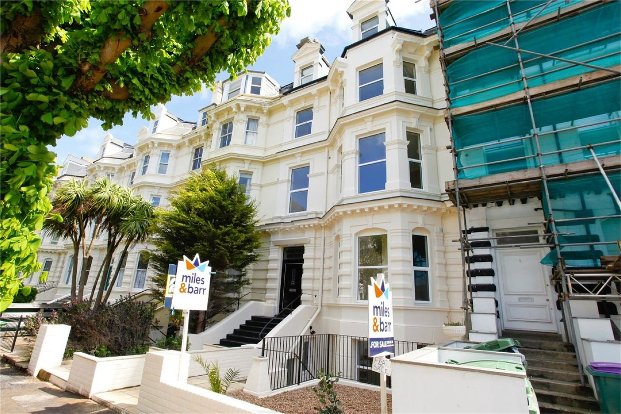 Properties To Let in Castle Hill Avenue