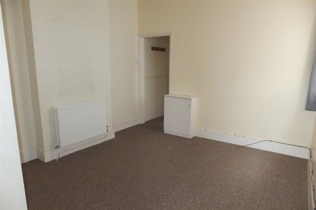Properties To Let in Central Parade
