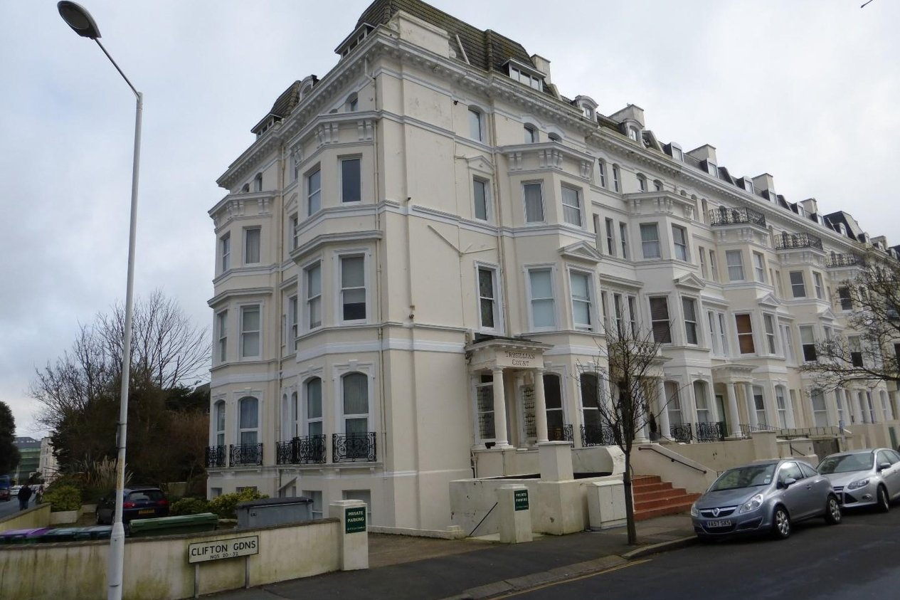 Properties To Let in 20 Clifton Gardens