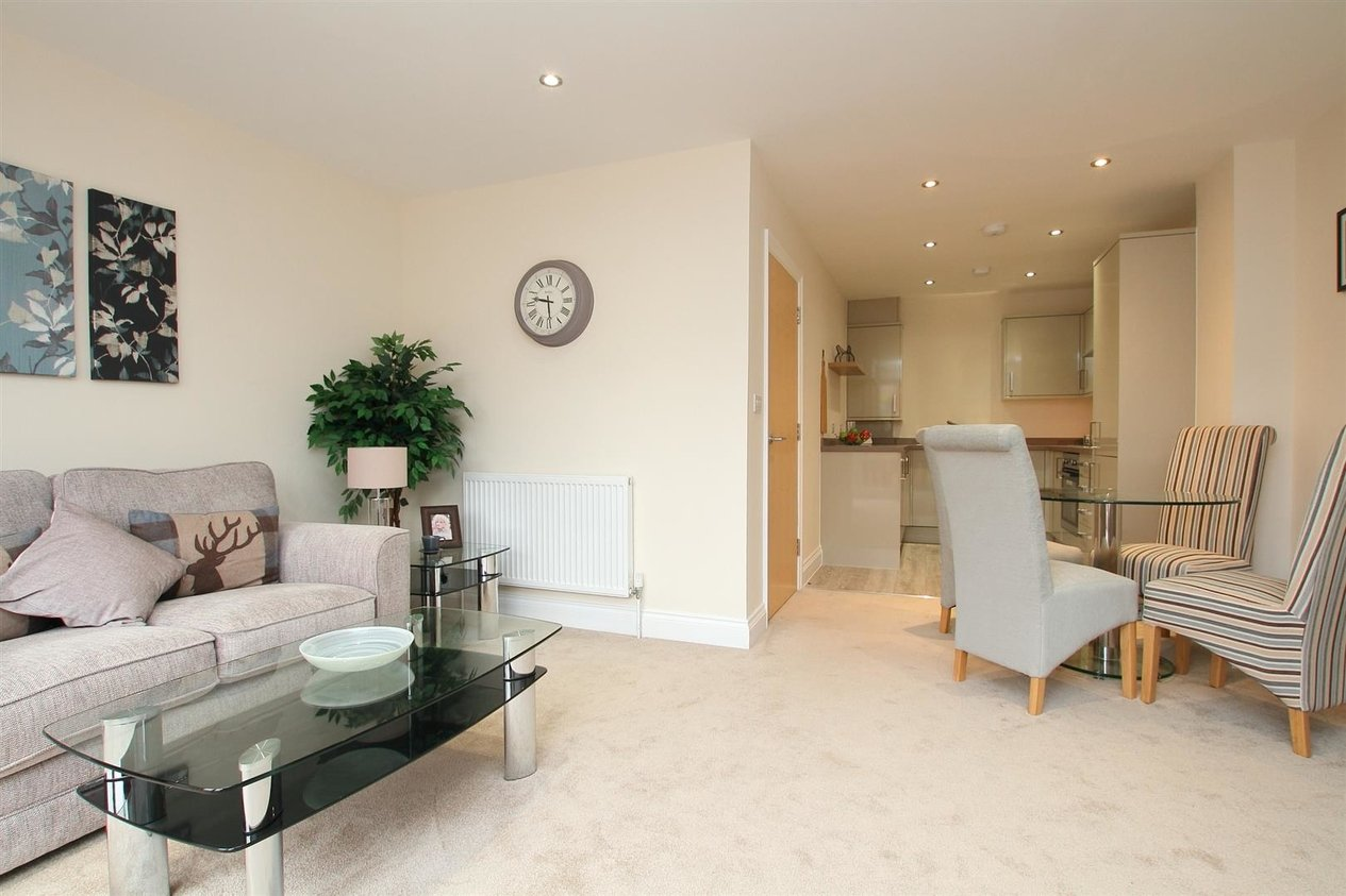 Properties To Let in Farleigh Mews