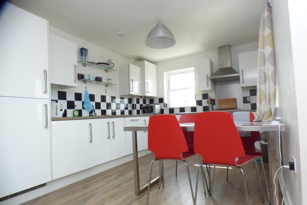 Properties To Let in George Roche Road