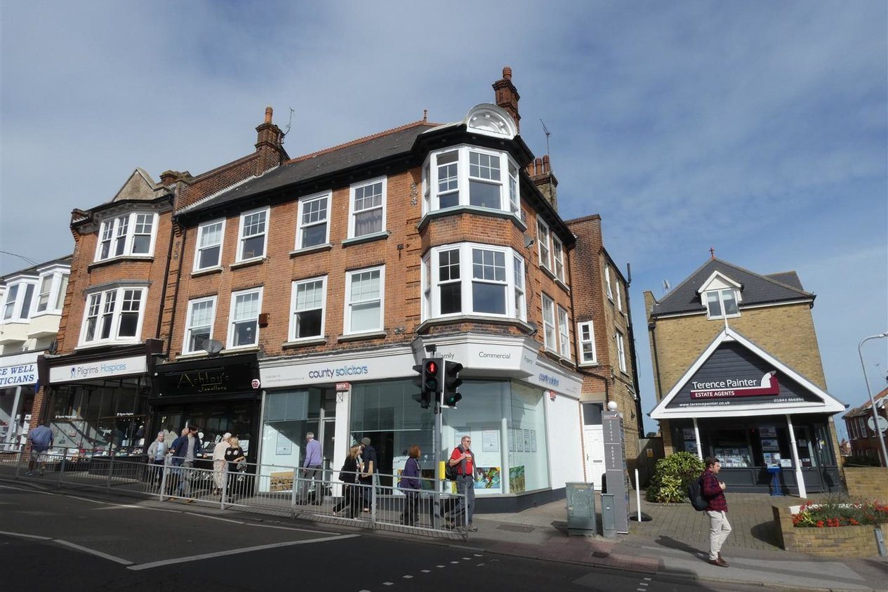 Properties To Let in High Street
