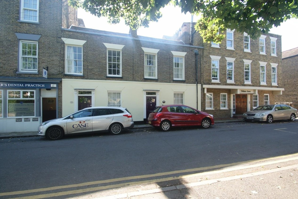 Properties Let Agreed in High Street St Peters