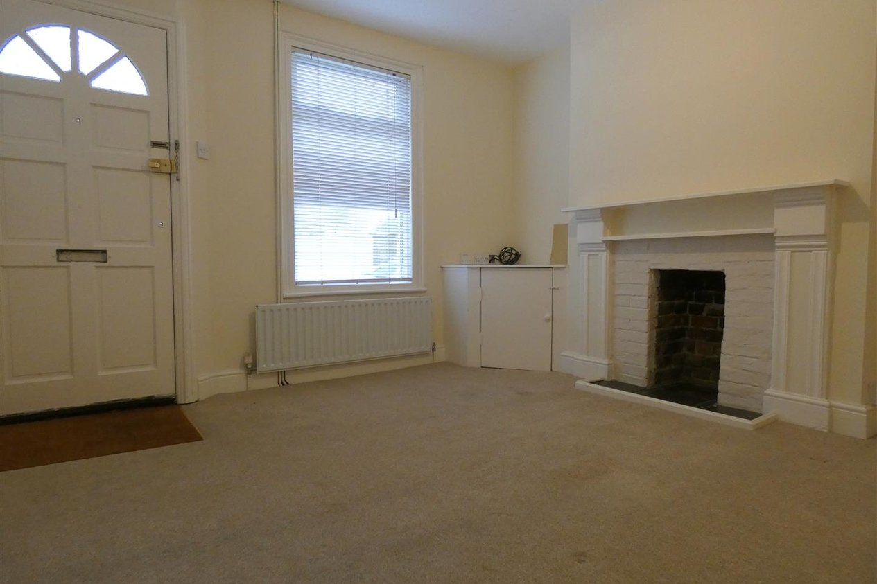 Properties To Let in Paragon Street
