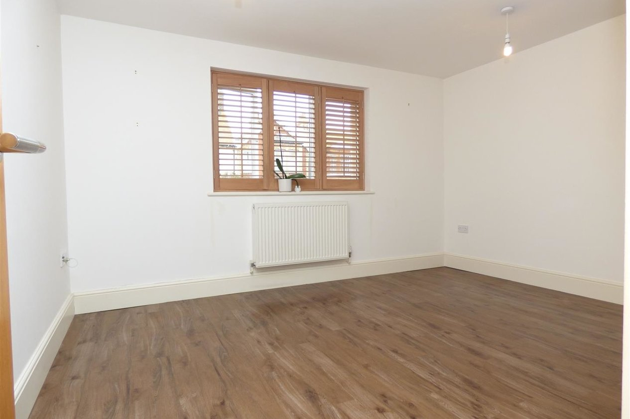 Properties To Let in Percy Avenue