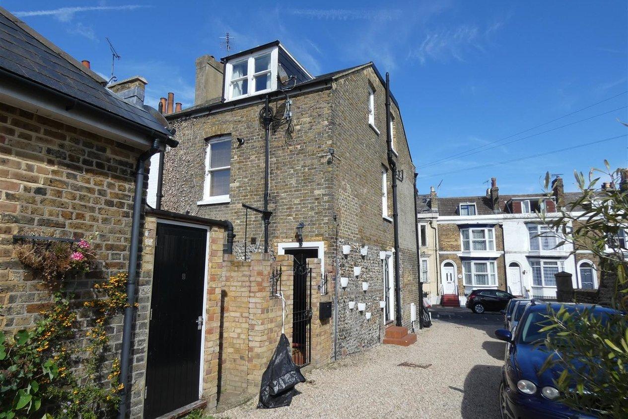 Properties Let Agreed in Royal Road