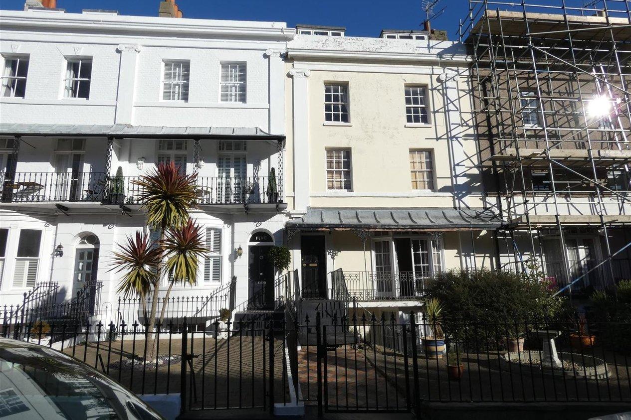 Properties To Let in Royal Road