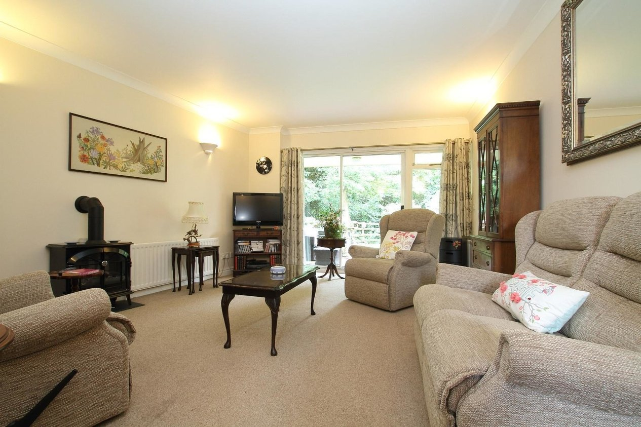 Properties To Let in Stockwood Chase