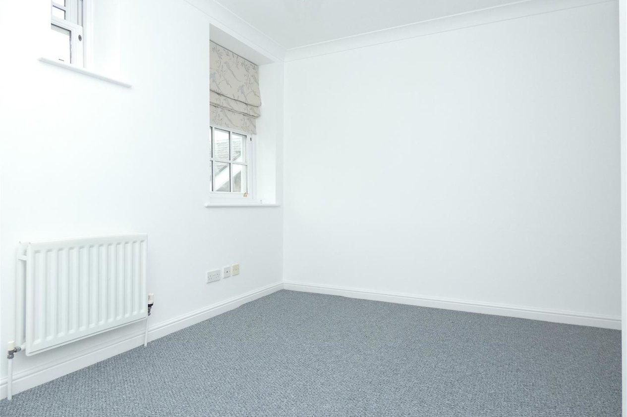 Properties To Let in Swallow Court Herne Common