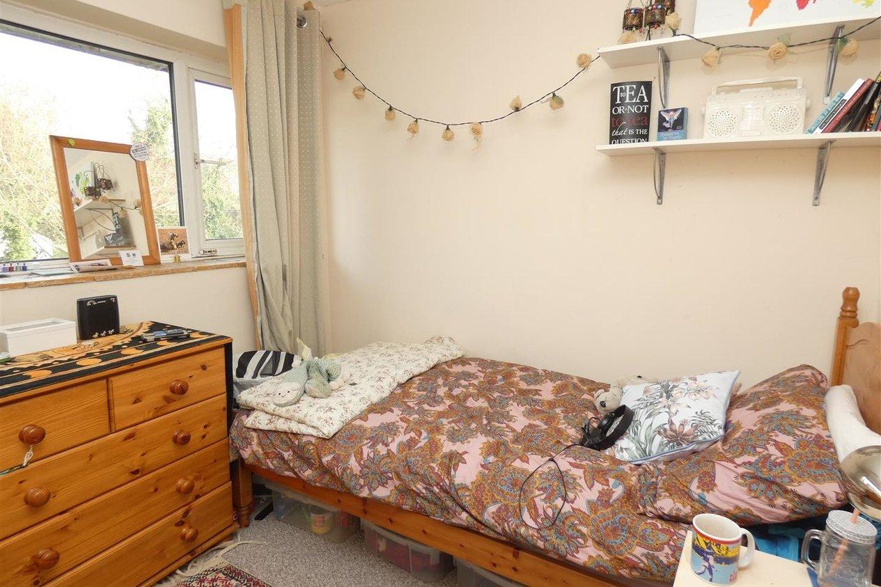 Properties To Let in Tenterden Drive