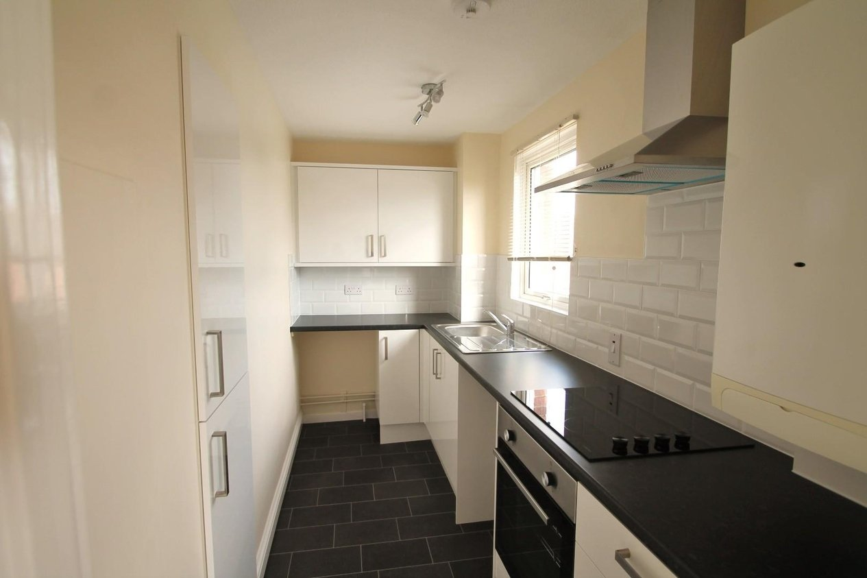 Properties Let Agreed in The Hollies