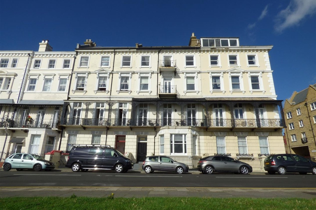 Properties To Let in Victoria Parade